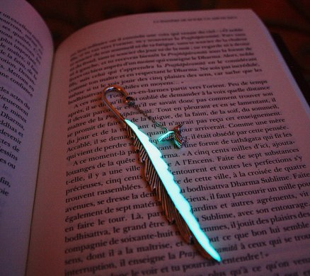 glow-in-the-dark-bookmarks-manon-richard-4